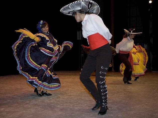 Ve vsetínském domě kultury se uskutečnil druhý ročník taneční přehlídky Tanec mnoha tváří