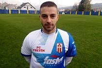 Šestadvacetiletý fotbalista Vsetína Vladimír Surovec nádherným gólem a velmi dobrým výkonem přispěl k výhře Valachů na hřišti Strání v poměru 3:1.