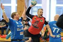 Házenkáři Zubří (v červených dresech) zvítězili v Litovli o jediný gól.