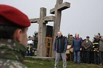 Setkání Čechů a Slováků na moravsko-slovenském pomezí v oblastí Javorníků se dnes dopoledne uskutečnilo na Ztracenci. Akce se zúčastnilo na 250 lidí z obou stran hranice.