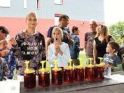V sobotu 19. srpna 2017 se v Jablůnce uskutečnil třetí ročník akce s názvem Den medu a písniček. Návštěvníci si užili bohatý program včetně ochutnávky medů, z nichž vybírali ten nejlepší.