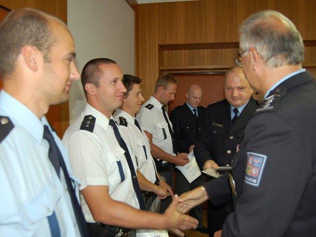 Za pomoc převzali policisté odznaky
