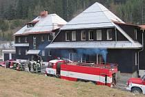 Při požáru evakuováno 71 dětí