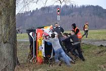 Účinkování Miroslava Jakeše na Valašské rally ukončila havárie