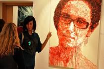 Ve vsetínské Galerii Stará radnice vystavuje od 19. 10. do 27. 11. 2011 ostravská výtvarnice Ivana Štenclová