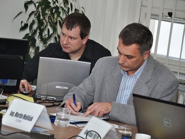 Nový jmenovaný člen rožnovského zastupitelstva Martin Maliňák (ODS)(na snímku vpravo).