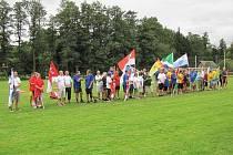 Před samotnými soutěžemi se zástupci jednotlivých samospráv představili při slavnostním nástupu, při kterém s hrodostí ukazovali i vlajky svých obcí.