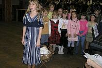 Sobíňov slavil o víkendu 625 let své existence. Oslavy zahájily školní děti, pokračovala dechová kapela a  kulturní program.