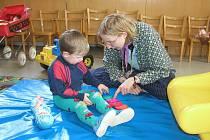 Mateřská centra na Havlíčkobrodsku mají pořád co dělat. Ve svém repertoáru mají tvořivé dílny týkající se vánoční tematiky i nejrůznější přednášky a cvičení, které povzbudí a posílí nejen budoucí maminky, ale i děti.