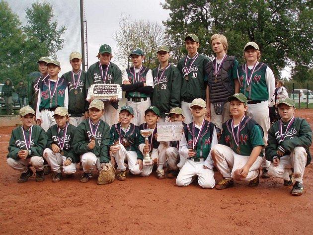 Brodští softballoví žáci obhájili v Kostelci nad Orlicí mistrovský titul.