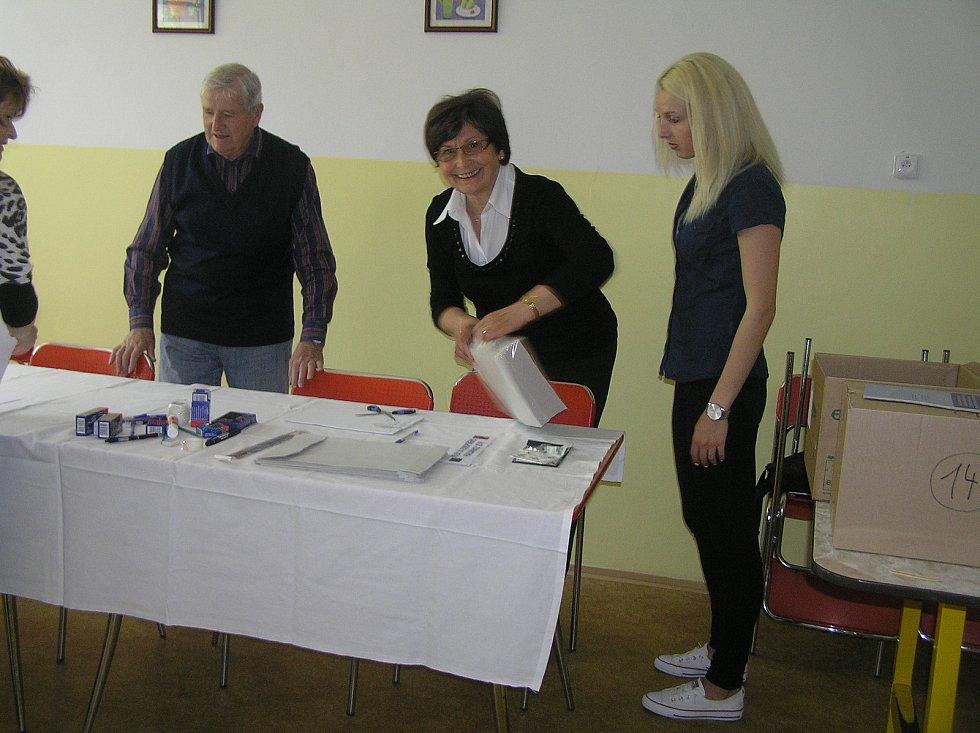 Volební komise v Základní škole kole V Sadech s velkou účastí voličů nepočítá.