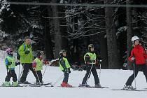 Sjezdovky v kraji po zkušenostech z posledních dvou mírných zim posilují před začátkem lyžařské sezony systémy pro zasněžování.