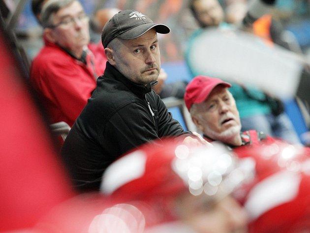 Nový kouč. V pátek by mělo být oficiálně oznámeno jméno nového trenéra Havlíčkova Brodu. Pravděpodobně se jím stane sedmatřicetiletý Jiří Mička, který v poslední sezoně působil v Ústí nad Labem.