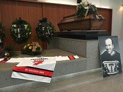 Havlíčkobrodská hokejová veřejnost se v pondělí rozloučila s brodskou hokejovou legendou.