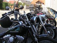 Motorkáři v Přibyslavi.