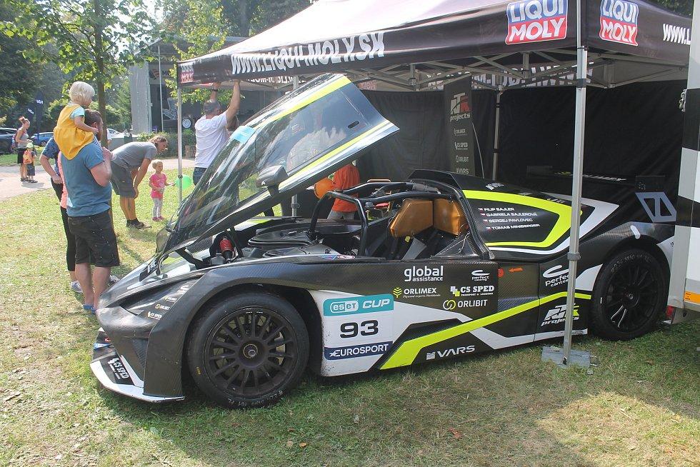 Okruhový speciál KTM je vrcholem techniky.
