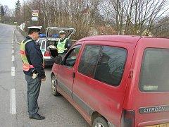 Ilustrační fotografie z policejních dopravních kontrol.