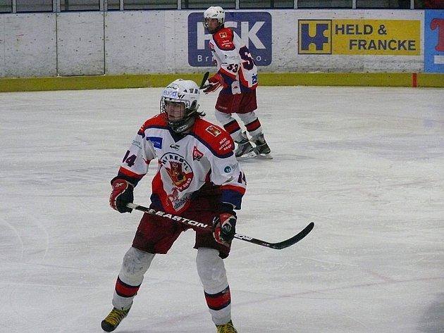 Jiskřička naděje. Ta pořád existuje v podobě záchrany hokejových mladších dorostenců HC Rebel v nejvyšší tuzemské soutěži. Na předposlední Mladou Boleslav ztrácejí pět bodů.