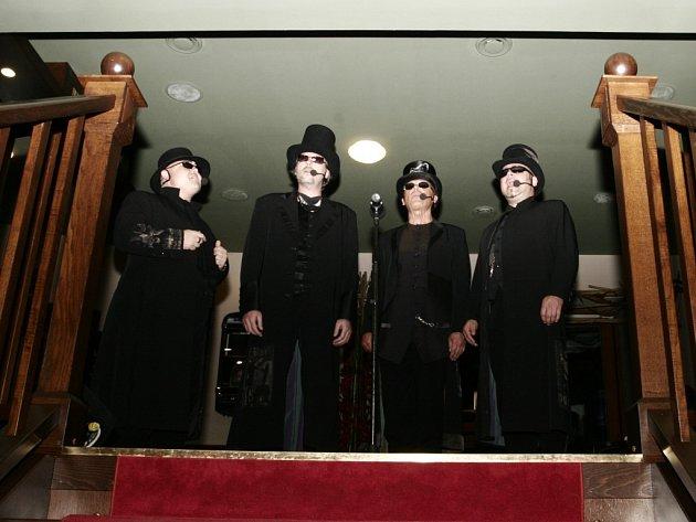 Se svou kapelou 4tet vytvořil Korn v pátek večer skvělou amtosféru.