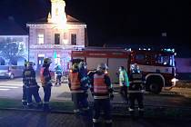 Ve středu odpoledne srazilo v Golčově Jeníkově na Havlíčkobrodsku osobní auto ženu na přechodu pro chodce. Nehoda se stala na náměstí T. G. Masaryka po čtvrté hodině.