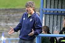 Už šestou výhru na jaře vybojovali fotbalisté Humpolce. Trenér Ján Kubík (na snímku) tak může být spokojený. To Světlá může zpytovat svědomí, nevyužila dlouhou přesilovku.