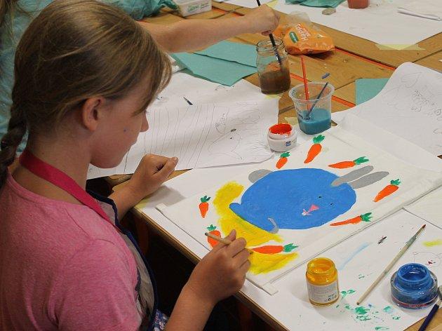 Kreativní tvoření v galerii probíhá každé prázdninové pondělí.