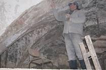 Na hradě Lipnici i v zimě probíhají zednické práce. V současné době se opravuje první patro Thurnovského paláce.