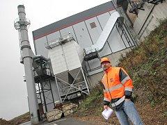 Firma sází na ekologickou a ekonomickou soběstačnost, má vlastní teplo i elektřinu.