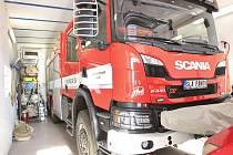 Dobrovolní hasiči ze Šlapanova mají novou cisternovou stříkačku.