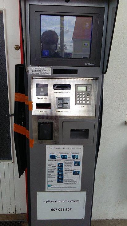 Poškozený automat ve Vilémově