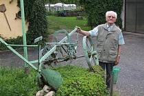 Po převratu v listopadu roku 1989 začal Miroslav Růžička koketovat s myšlenkou sepisování příběhů politických věznů a takzvaných kulaků. Už na sklonku 90. let vydal první publikaci Osudy politických vězňů Havlíčkobrodska. Nyní vydává druhý díl,  Vyhnanci.
