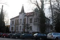 Mahlerova vila. Historický objekt patří k Havlíčkovu Brodu již od roku 1908. Postavit ji nechali bratři Mahlerové, kteří  byli vlastníky jedné z největších továren na textilní a punčochové zboží v regionu.