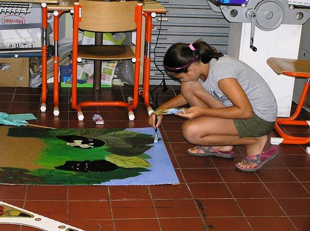 Možnost být na chvíli mistrem Theodorikem, Vincentem van Gogem či slavnou mexickou malířkou Frídou Kahlo, a pobýt v jejich světě, dostaly děti z Havlíčkova Brodu v pondělí v galerii výtvarného umění.