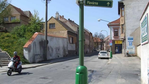 Uzavírka. Ulici Vítězslava Nezvala čeká rekonstrukce.