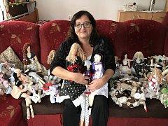 Petra Zadinová z Krátké Vsi u Havlíčkova Brodu již více než dva roky šije panenky.