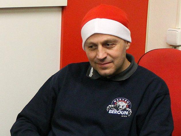 Dobrou náladu. Tu šířil po prohraném zápase berounský trenér Petr Novák, který přidal k tiskovce nadstavbu.