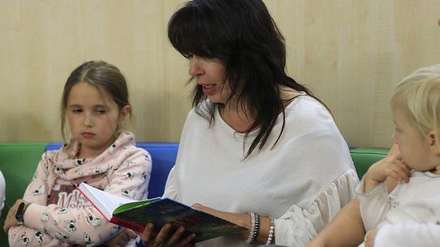 Čítárnička s Nelou Boudovou
