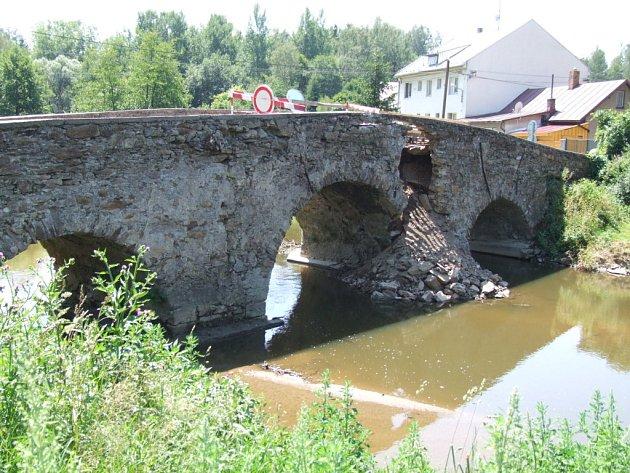 Most v Ronově nad Sázavou.