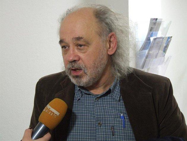 Barboru Škrlovou zastupoval aktivista John Bok.