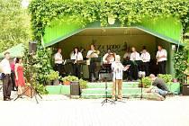 Dechová kapela, která v poslední době hraje i moderní písně, pochází z Leškovic na Habersku. Založena byla již v padesátých letech minulého století a od té doby si prošla obrovským vývojem. Členové kapely se mění dodnes.