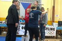 Stříbro bral na turnaji v Kladně ve váhové kategorii do 36 kg Tadeáš Lehotský (vlevo).