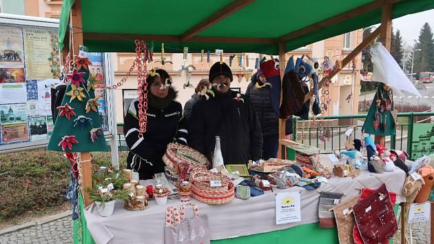 Klienti komunitního bydlení pomáhali s přípravou Mikulášského dne ve Světlé.