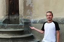 Vladimír Zápotočný provádí ve věži kostela Nanebevzetí Panny Marie v Havlíčkově Brodě již šestým rokem. Vypráví nejen o historii věže, ale také o jejích zajímavostech.