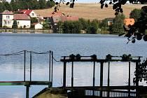 Také Haberský rybník je popsán v Encyklopedii vodních ploch Čech, Moravy a Slezska. Haberský rybník byl před dvěma roky odbahněn nákladem 19,5 mil. korun, přispěla na to Evropská unie částkou 15,6 mil. Kč, Státní fond životního prostředí dal téměř 2 mil.