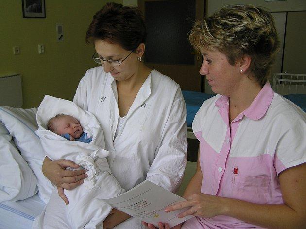 BEZPEČÍ. V postýlce z brodské nemocnice se může dítě cítit bezpečně jak v náručí u maminky