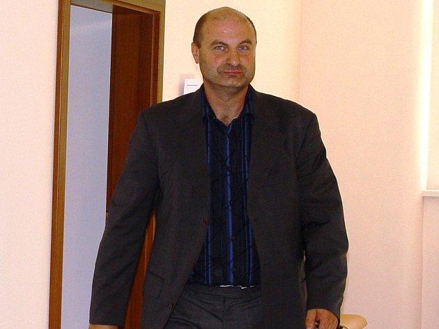 Petr Paul. Vedoucí jihlavského tanečního klubu Gym Beam je podle policie zapleten i do podvodů s auty.