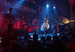 Po devíti letech se na festival opět představí skvělá skupina Morcheeba. Ilustrační foto.