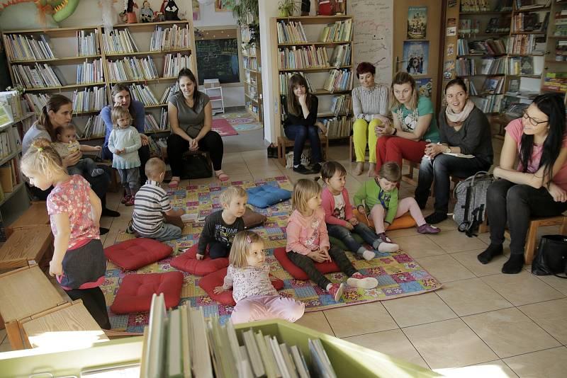 Živé pohádky v Městské knihovně v Chotěboři