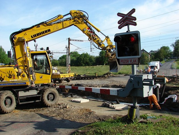 Oprava železničního přejezdu ve Světlé nad Sázavou.