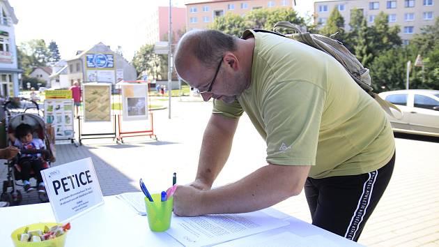 Petice proti zrušení vybraných pracovišť finančních úřadů.
